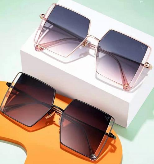 傲世皇朝专用注册通道 2021施洛华夏季太阳镜新品亮相上海国际眼镜展!令人目不暇接